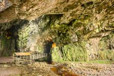 uvnitř Smoo Cave