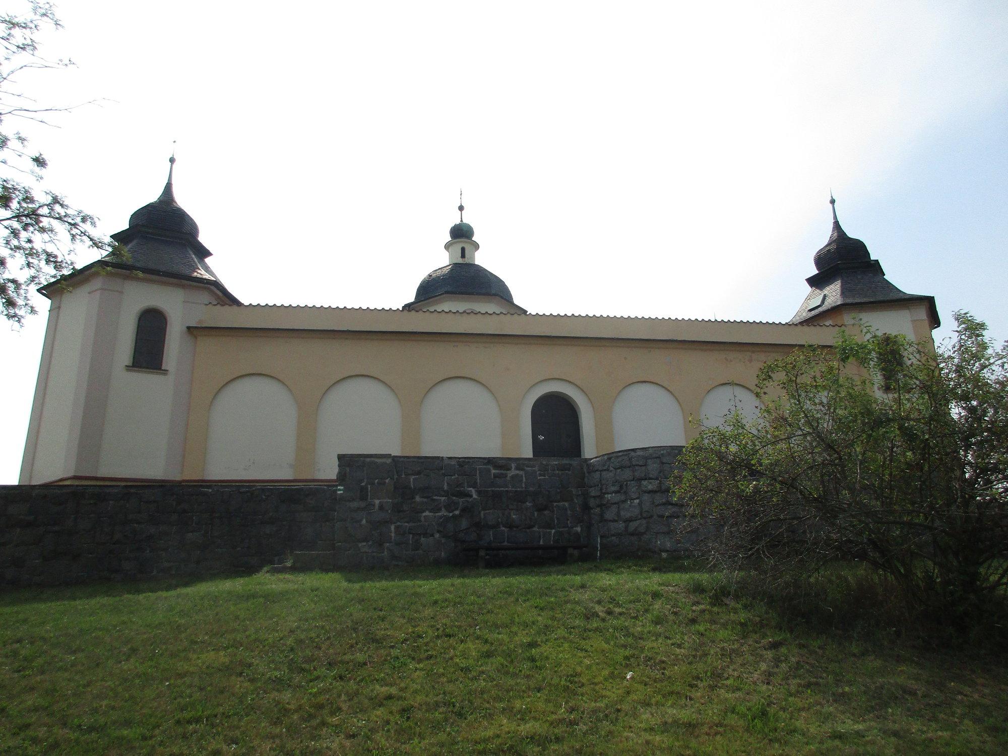 kaple svatých Andělů Strážných z boční strany