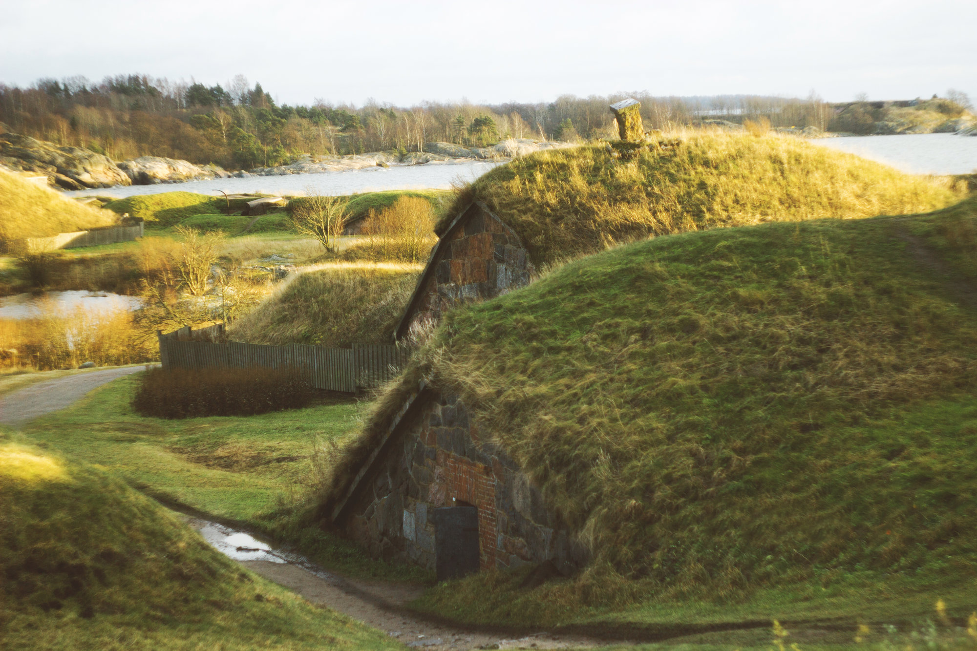 travnaté podzemní bunkry