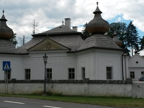 the Renaissance Kubin chateau