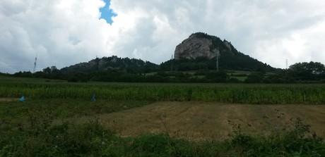Ostrá a Tupá skala