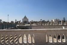 Mauzóleum Mohameda V. a mešita s Hassanovou vežou
