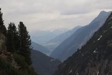 вид с гор на долину