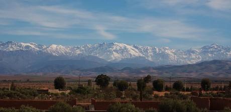 pohled z Marrákeše na Atlas