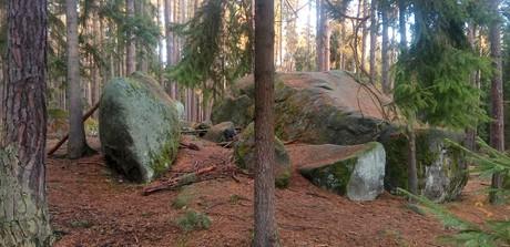 stones near Bába