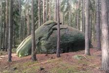 kameň poblíž Dědka