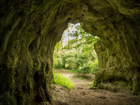 jeskyně Čertova pec