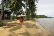 turisticky nedotčená pláž Thom Beach, a beach on the northeats of the island  na severovýchodě ostrova