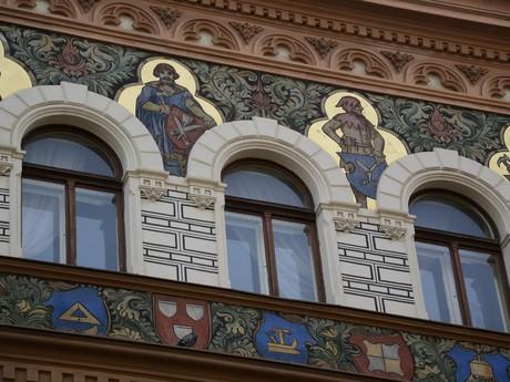 Улица Сольни - орнаменты в позднеготическом стиле