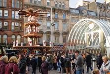 vianočné trhy na námestí St. Enoch Square