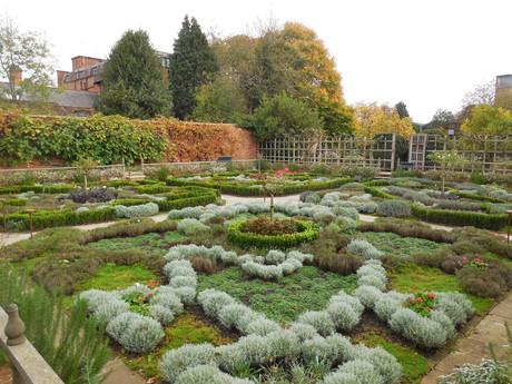 zahrada u Shakespearova nového domu