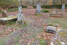 hřbitov a rozvaliny katedrály