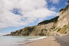 дорога по пляжу к мысу