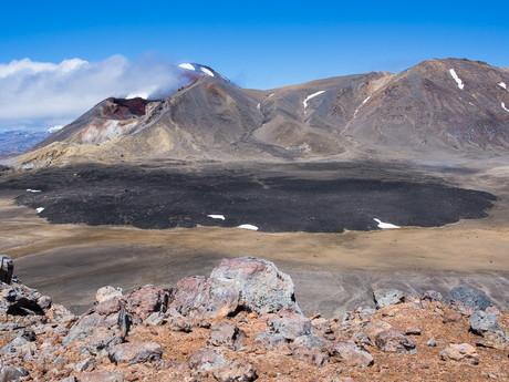 výhľad na Red Crater a stuhnutú lávu