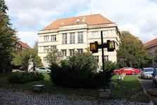 František Šrámek, budova filiálky Československé národní banky, Puškinovo (dříve Tyršovo) náměstí