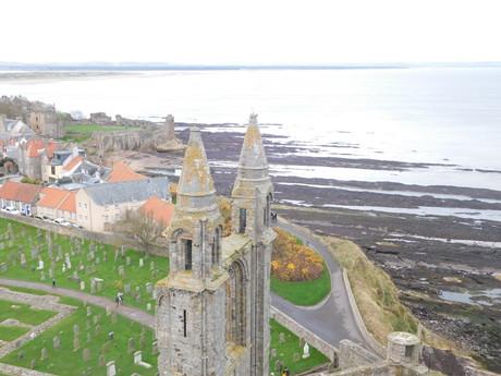 výhled z věže na St Andrews