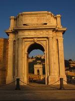 Arco di Clementino