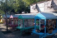 ingenuine market, southwest of Key West