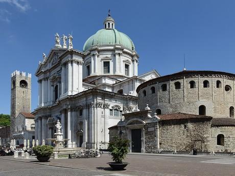 nová a stará katedrála