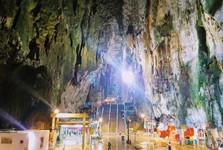 další jeskyně hned vedle Batu Caves