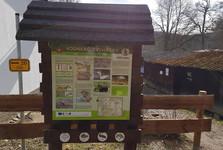 Zlenice castle, trail