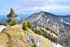 pohled z vrchu Mittlerer Zellerhut na Vorderer Zellerhut
