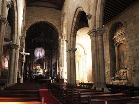 костел Igreja de Nossa Senhora da Oliveira – интерьер