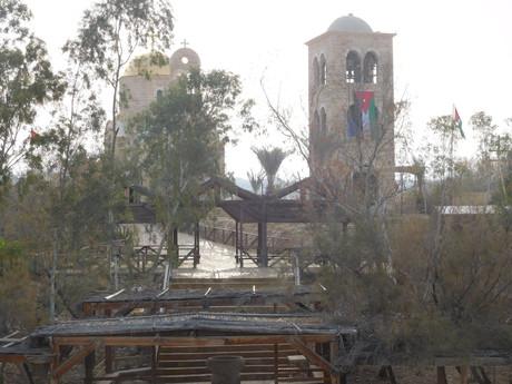 na jordánské hranici – místo křtu Ježíše Krista
