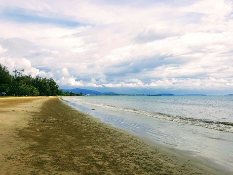 pláž Tanjung Aru Beach