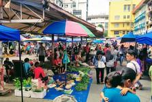 Sunday Market на Gaya Street