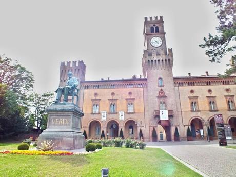 Verdi's statue in front of Rocca Pallavicino (Busseto)