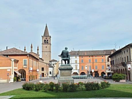 Piazza G. Verdi (Буссето)
