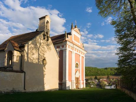 kostol sv. Kataríny a kostol sv. Ľudmily