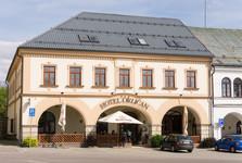 Orličan hotel, square