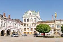 Площадь Мирова