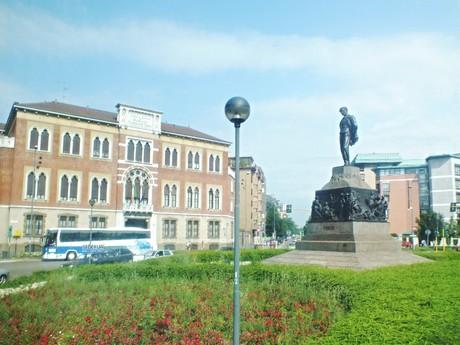 Verdi's statue on Piazza Michelangelo Buonarroti