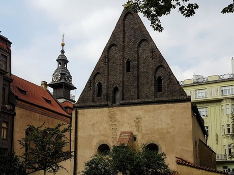 Old New Synagogue, High Synagogue and town hall tower