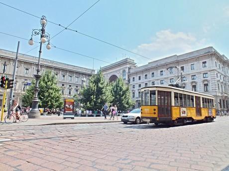 Piazza Della Scala (Miláno)