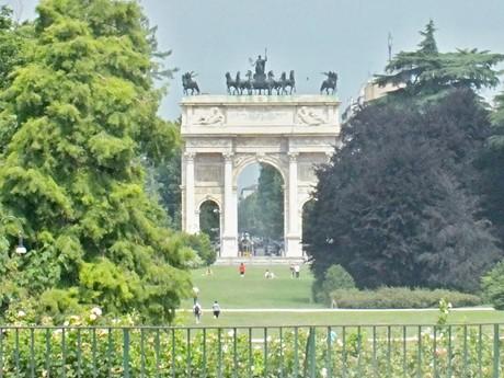 Триумфальная арка в Parco Sempione (Милан)