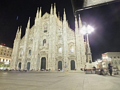 Duomo di Milano (Miláno) - večer