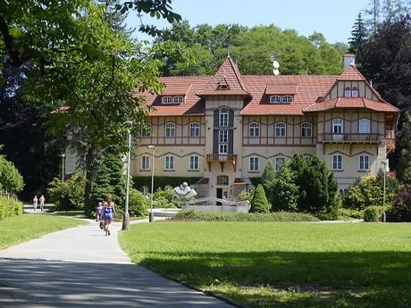 курорт Лугачовице - Естршаби