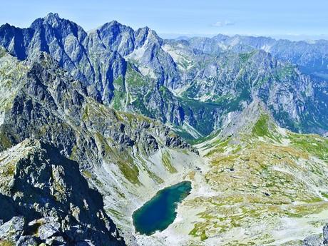 вид с вершины Выходной-Высокой на Литворовую долину