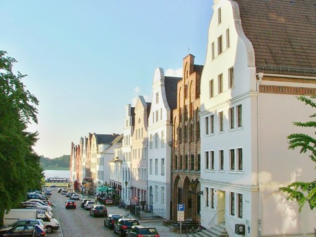 Hausbaumhaus on Wokrenterstaße (Rostock)