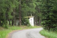 сторожевая будка возле бывшего домика лесника