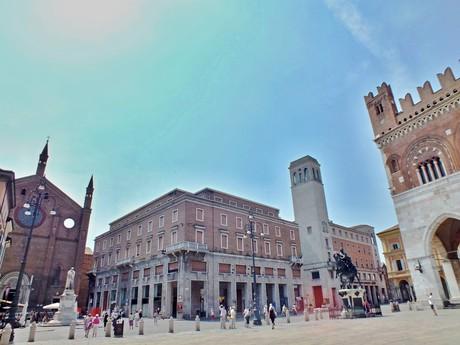 Piazza Cavalli (Piacenza)