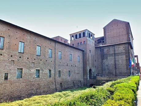 Palazzo Farense (Piacenza)