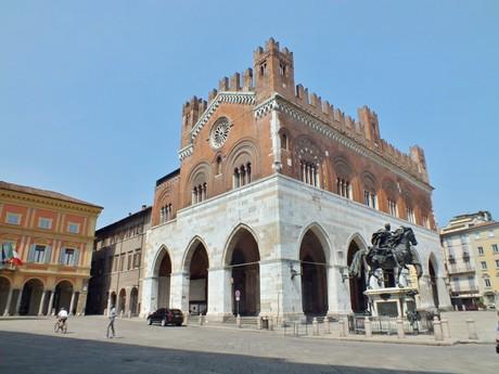 Il Gotico (Пьяченца)