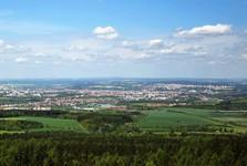 vistas into the surroundings