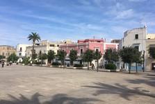malé námestíčko v Polignano a Mare