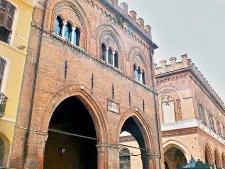 Loggie dei Militi (Cremona)